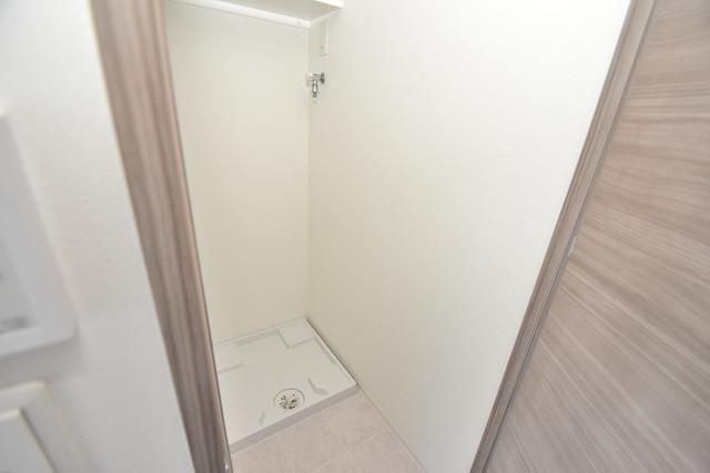レジュールアッシュOSAKA今里駅前 嬉しい室内洗濯機置場は脱衣場も兼ねています。