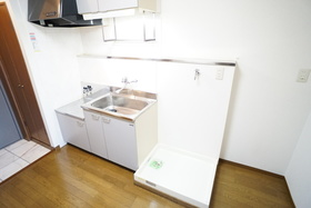 https://image.rentersnet.jp/27d9f6a0-f240-4dcd-a14b-e3d53683af97_property_picture_956_large.jpg_cap_キッチン