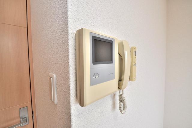 Celeb布施東 TVモニターホンは必須ですね。扉は誰か確認してから開けて下さいね