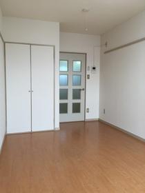 https://image.rentersnet.jp/2813a2d3-6c5f-4524-b226-c09c634e491f_property_picture_960_large.jpg_cap_他号室。参考写真