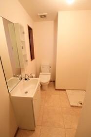 IVY HOUSE 205号室