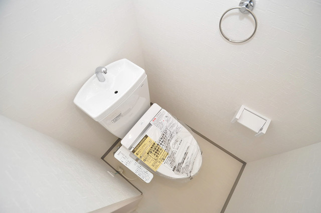 プリッ2 長瀬町  清潔感のある爽やかなトイレ。誰もがリラックスできる空間です。