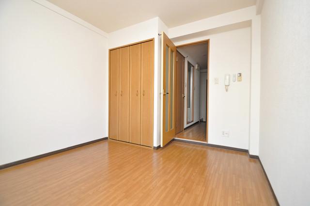 ジャルディーノ壱番館 広めのリビングはゆったりくつろげる癒しの空間です。