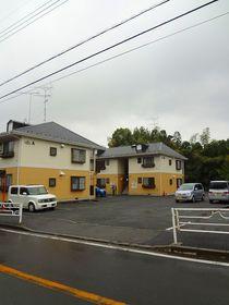 横浜駅 バス20分「東泉寺前」徒歩1分駐車場