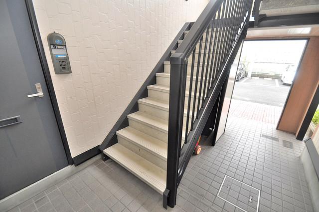サンビレッジ・デグチ この階段を登った先にあなたの新生活が待っていますよ。