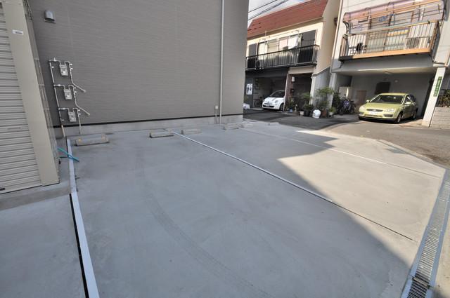 Lumo布施(ルーモフセ) 敷地内には駐車場があり安心ですね。