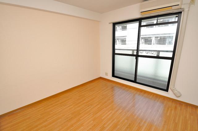 コーポラス光進 明るいお部屋はゆったりとしていて、心地よい空間です