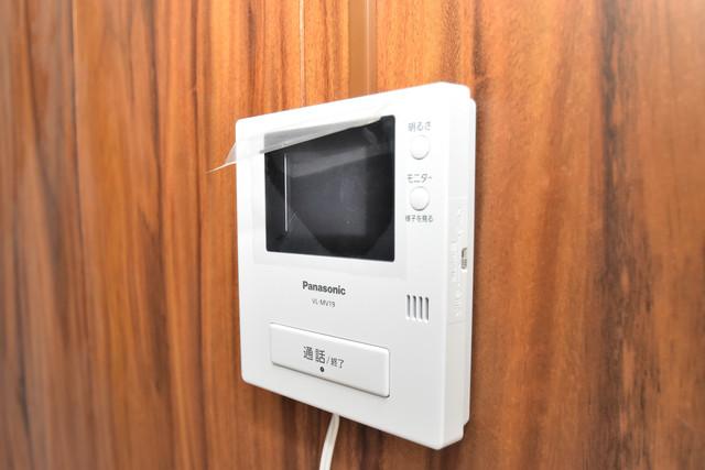 大蓮南2-15-9 貸家 TVモニターホンは必須ですね。扉は誰か確認してから開けて下さいね