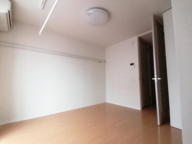 シャーメゾン八幡2丁目居室