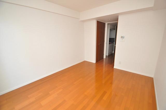 CASSIA高井田NorthCourt 陽当りの良いベッドルームは癒される心地良い空間です。