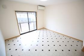 https://image.rentersnet.jp/29bf37f6-90e4-4403-87a0-f9e49a32f7b0_property_picture_2988_large.jpg_cap_居室