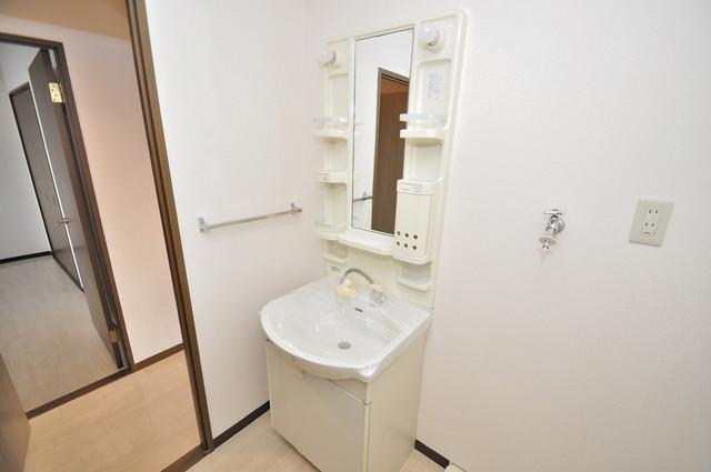 豊都ビル 人気の独立洗面所はゆったりと余裕のある広さです。