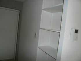 サバービア二子玉川 302号室