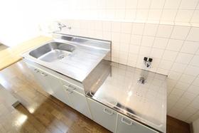 https://image.rentersnet.jp/29f521d0-7fb4-4676-937d-bb87cc266aef_property_picture_958_large.jpg_cap_キッチン