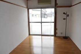 https://image.rentersnet.jp/2a032eae-ff68-46ef-a9d8-70db432c7736_property_picture_953_large.jpg_cap_居室