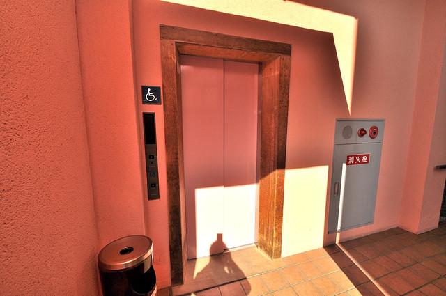 エレガンス川上 エレベーター付き。これで重たい荷物があっても安心ですね。