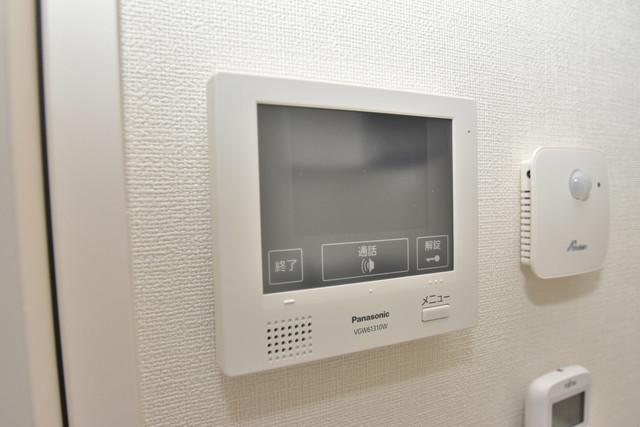 ハーモニーテラス新今里Ⅱ TVモニターホンは必須ですね。扉は誰か確認してから開けて下さいね