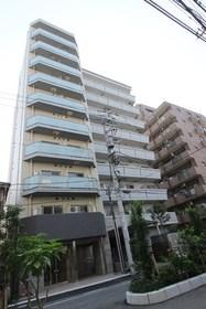 GROWS RESIDENCE横浜大通り公園エントランス