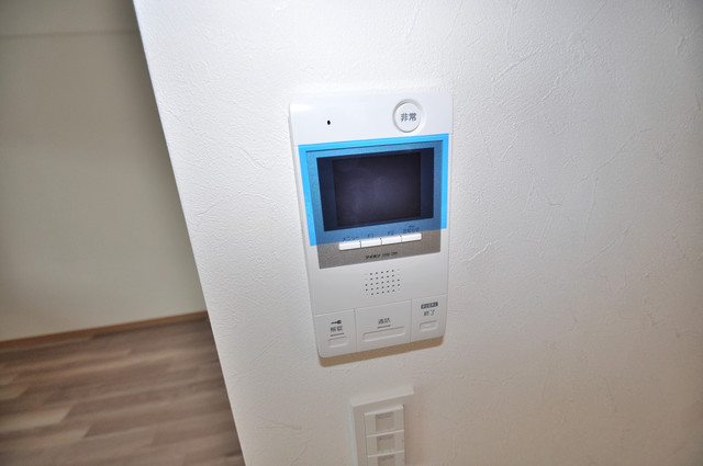 グランマーレ小路駅前 モニター付きインターフォンでセキュリティ対策もバッチリ。