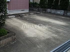 稲田堤駅 徒歩32分駐車場