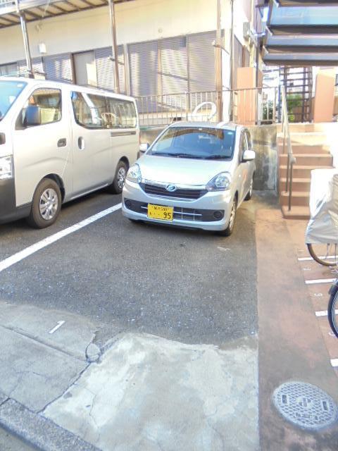 サン・ファミーK駐車場