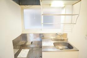 https://image.rentersnet.jp/2b74abc6-cd38-404e-aa97-dbcd5fe49d6e_property_picture_956_large.jpg_cap_キッチン