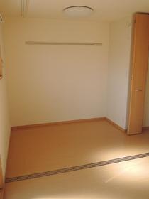 https://image.rentersnet.jp/2b76678a11f69ac327d33c2549d5ec55_property_picture_953_large.jpg_cap_居室