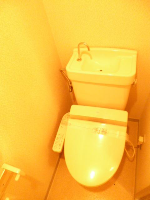 ルミエール西高島平トイレ