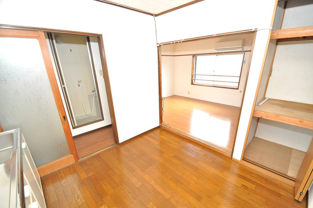 冨永コーポ シンプルな単身さん向きのマンションです。