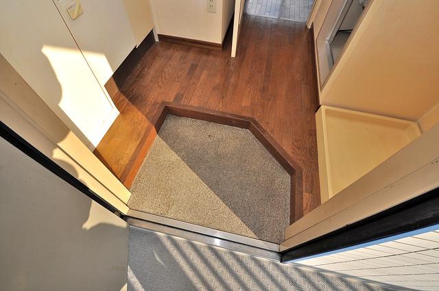 ヴィラアルタイル 玄関を開けると解放感のある空間がひろがりますよ。