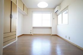 https://image.rentersnet.jp/2bdc1c2a-e25d-4b8b-91bd-8a65cafe5b36_property_picture_956_large.jpg_cap_居室
