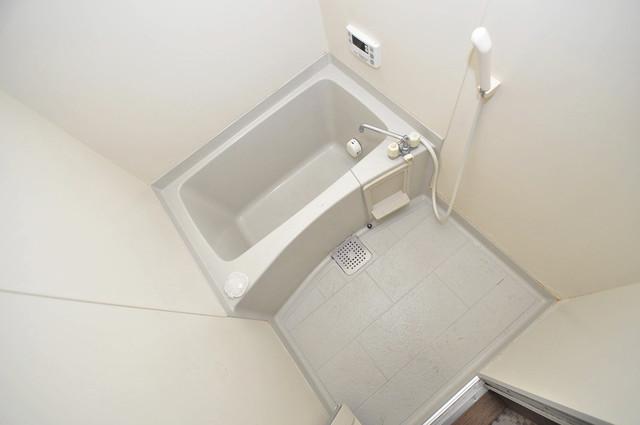 カトル・セゾン ちょうどいいサイズのお風呂です。お掃除も楽にできますよ。