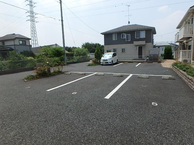 リバレイン駐車場
