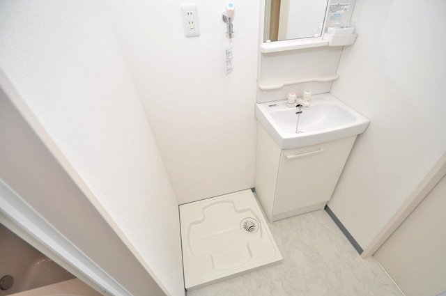 プリッ2 長瀬町  嬉しい室内洗濯機置場。これで洗濯機も長持ちしますね。