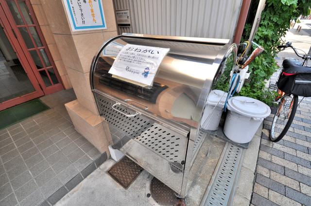 サンフォレスト布施 敷地内にゴミ捨て場があるのがうれしいですね。