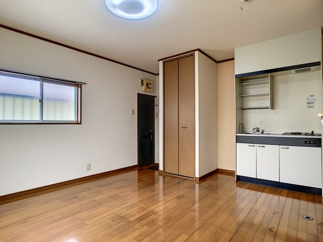 https://image.rentersnet.jp/2c563f7e-608c-4ece-b0a2-c58516af4ea7_property_picture_3193_large.jpg