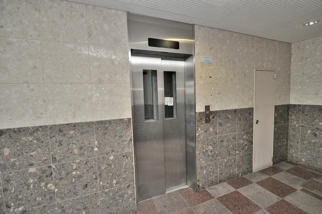 メルシー2000 エレベーター付き。これで重たい荷物があっても安心ですね。