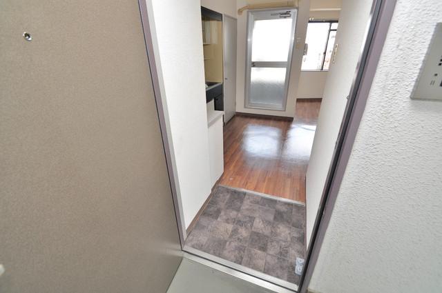 シティハイツ布施 お部屋の入口には何も置かず、シンプルが一番ですね。