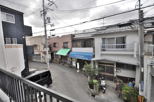 大蓮東5-5-12 貸家 この見晴らしが陽当たりのイイお部屋を作ってます。