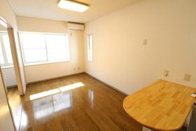 https://image.rentersnet.jp/2d4127e6-52e1-4691-b9af-36ce1ffb3ad9_property_picture_958_large.jpg_cap_居室