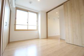 https://image.rentersnet.jp/2d41589c-8251-4e5f-a670-b613a136928b_property_picture_958_large.jpg_cap_居室