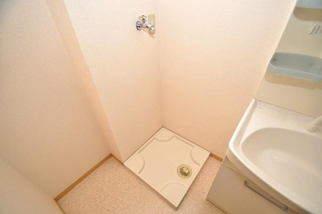 カーサ・エクレール A棟 嬉しい室内洗濯機置場。これで洗濯機も長持ちしますね。