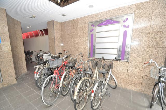 スカイプラザⅢ こちらに自転車置かれています。