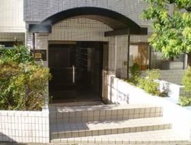 西新宿駅 徒歩19分エントランス