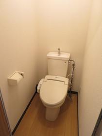 https://image.rentersnet.jp/2df9e5d4-cea2-4882-922c-b0782a1f5b43_property_picture_958_large.jpg_cap_トイレ