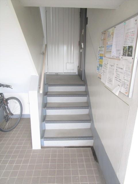 柿生駅 徒歩15分エントランス