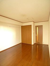 エフレーベン 102号室
