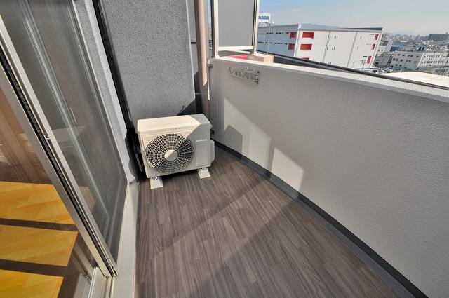 SERENITE高井田(セレニテ) 広めのバルコニーは風通しが良く、洗濯物もよく乾きそうです。