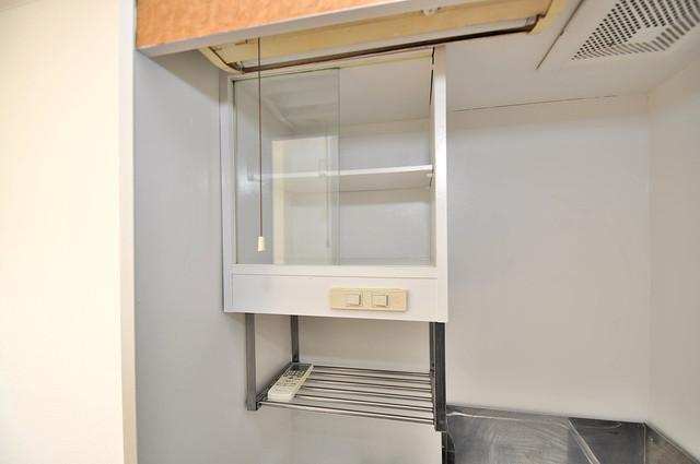 大宝菱屋西CTスクエア キッチン棚も付いていて食器収納も困りませんね。