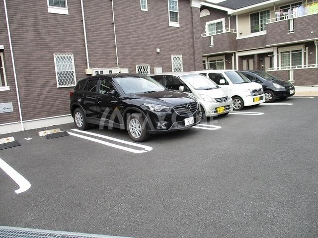 ヴェルピエールビー(ヴェルピエールB)駐車場